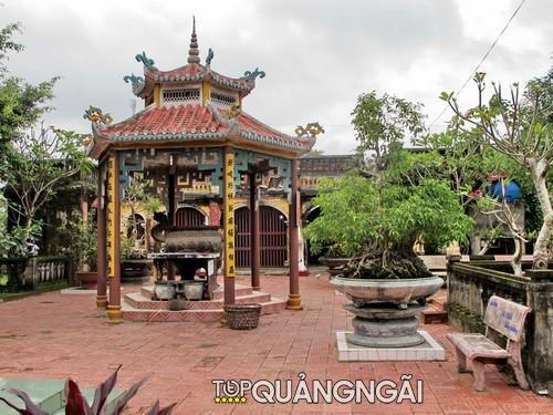ngoi chua lon o Quang Ngai 1 2